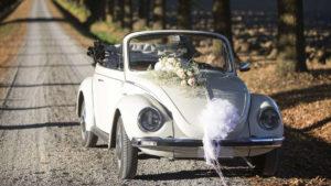 maggiolone-cabrio-bianco-per-matrimoni-noleggio-2-1